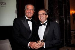 Antonio Ribes Bas recieving Luxury Real Estate award