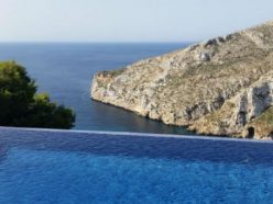 Four villas and beaches in Costa Blanca to enjoy the summer